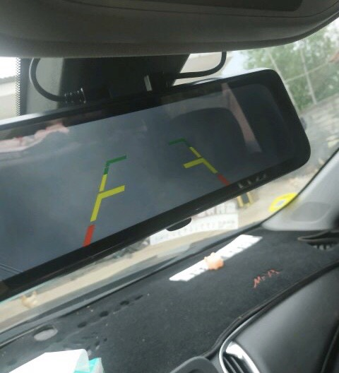 行车记录仪后摄像头接上线 一直显示倒车影像 怎么解决?